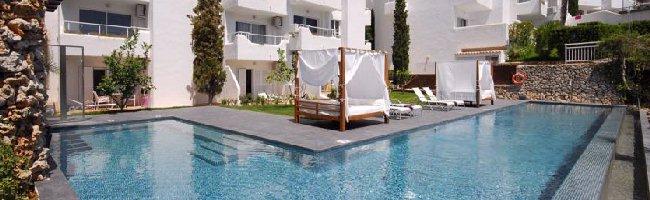 Ferrera Beach Apartments Calle Es Forn 76 07660 Cala D Or Mallorca Telephone 34 971 659 845 Fax 862 Web Site Ferrerabeach